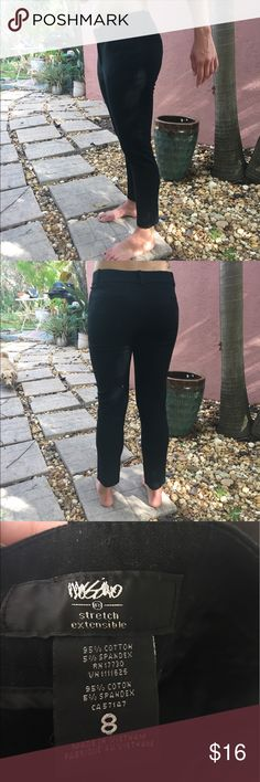 """🆕Mossimo Black Stretch Ankle Slacks Great for the office or any need for a comfortable nice pair of slacks. Two front pockets, two back pockets, belt loops, and zipper + hook/eye closure. There is some stretch/give to the material. EUC Waist 16"""" inseam 27"""" ✅I ship same or next day ✅Bundle for discount Mossimo Supply Co. Pants Ankle & Cropped"""