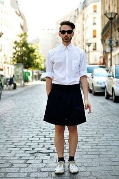 I love me some guys in skirts. On the Street…rue Jean-Pierre Timbaud, Paris « The Sartorialist Queer Fashion, Androgynous Fashion, Mens Fashion, Androgyny, High Fashion, Man Skirt, Dress Skirt, Mode Outfits, Fashion Outfits