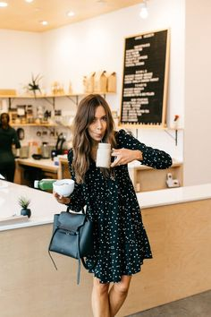 What to Wear to a Morning Meeting at Juice Society polka dot kate spade dress, juice society in austin The post What to Wear to a Morning Meeting at Juice Society appeared first on Beauty Shares. Mode Outfits, Trendy Outfits, Fashion Outfits, Classy Outfits, Hijab Fashion, Chic Outfits, Jeans Fashion, Fashion Hacks, Fashion Trends