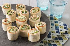 Stir up some fun at your next party by serving up some Antipasto Tortilla Appetizers. Antipasto Tortilla Appetizers are quick to make and a delight to eat. Antipasto Recipes, Recipes Appetizers And Snacks, Appetizer Dips, Appetizers For Party, Antipasto Platter, Burger Recipes, Recipes Dinner, Dinner Ideas, Healthy Snacks