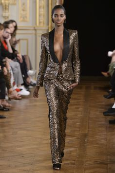 Redemption at Paris Fashion Week Spring 2018 - Runway Photos Vogue Fashion, Suit Fashion, Fashion Week, Runway Fashion, Fashion Show, Fashion Outfits, Fashion Design, Paris Fashion, Style Haute Couture