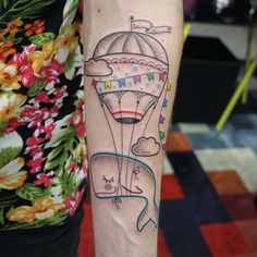 Balão + Baleia - Tattoo de Dani Bianco