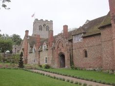 Ewelme alm houses-Ewelme Manor In the 14th century, Sir John Burghersh held the Manor of Ewelme in Oxfordshire. On his death in 1491, it passed to his younger daughter, Maud, who had married Thomas CHAUCER, son of the poet Geoffrey Chaucer. Thomas, a wealthy wool merchant and a royal councillor, in 1424 married his daughter Alice to the earl of Salisbury but, only four years later, the earl died leaving Alice free to marry a second time. In 1430, Alice married William de la Pole, earl of…