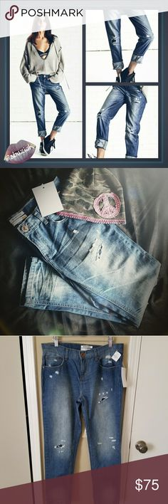 One Teaspoon Awesome Baggies NWT One Teaspoon Awesome Baggies NWT. 100% cotton. New with tags. Inseam is approximately 28 inches. One Teaspoon Jeans Boyfriend