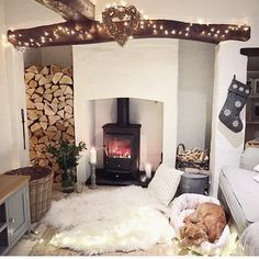 Little snug room ♥️ Room Design, House Interior, Snug Room, Cottage Interiors, Home, Cottage Living, Inglenook Fireplace, Home Decor, Hygge Home