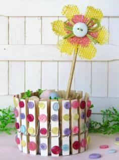 DIY Tutorial: DIY Clothespin Crafts / DIY Clothespin Craft Spring Home Decor - Bead&Cord