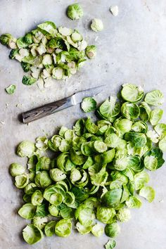 Tangy, salty, sautéed salt and vinegar brussels sprouts that are ready in less than ten minutes. A super easy salt and vinegar brussels sprouts recipe. Vegetable Sides, Vegetable Side Dishes, Delicious Vegan Recipes, Vegetarian Recipes, Healthy Vegetable Recipes, Healthy Meals, Fall Vegetables, Veggies, Vegetables