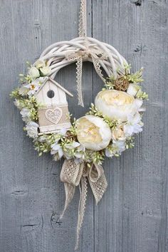 im obsessed with wreaths i think they add so much to any decor. Easter Wreaths, Christmas Wreaths, Christmas Decorations, Wreath Crafts, Diy Wreath, Door Wreaths, Wedding Wreaths, Deco Floral, Summer Wreath