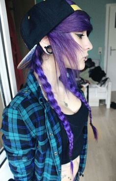 I dont know what is better  her hair or her style both really nice oxoxoxo