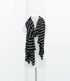 Image 2 of STRIPED KNITTED SCARF from Zara
