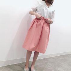 いいね!397件、コメント1件 ― kaorinさん(@kaorinnnhyrk)のInstagramアカウント: 「先ほどのピンクのフレアスカートは、JRゲートタワーのGUの内覧会の時にゲットした #イージーフレアスカート でした♡ ・ 大型店限定のです♡ ・ キレイな色味に一目惚れしたやーつ❣️ ・ ・…」