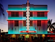 Discover a variety of Art Deco Miami to the specific look you want. Art Deco Miami Building can be fun and playful, or chic and classy. Miami Art Deco, Art Deco Hotel, Miami Beach, South Beach, Hotel New York, Art Nouveau, Art Disney, Fairmont Hotel, Hotel Motel
