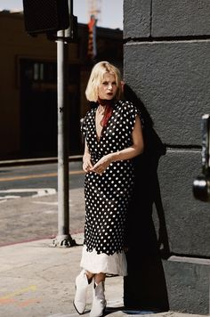 Can ya pull this off though? Lucy Boynton, High Fashion, Womens Fashion, Walking By, Famous Women, Sweet Girls, Retro, Girl Crushes, Pretty People