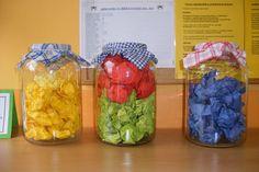 téma ovoce a zelenina v mš - Hledat Googlem Crafts For Teens, Fruits And Vegetables, Fall Crafts, Glass Vase, Baby Knitting Patterns, Blog, Sprouts, Education, Halloween