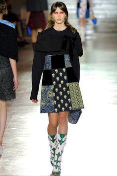 5804ce2b0eb The World Through Fashion · Review FashionFashion NewsFashion ShowMiuccia  PradaItalian Fashion DesignersDaily FashionMiu ...