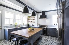 NYC kitchen by Nastasi Vail - AD (via Glamour)