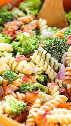 Lower Excess Fat Rooster Recipes That Basically Prime Delicious Broccoli Bacon Pasta Salad Recipe Pasta Dishes, Food Dishes, Side Dishes, Bacon Pasta, Broccoli Pasta, Brocoli Pasta Salad, Vegtable Salad, Bacon Salad, Couscous Salad