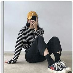 Find images and videos about girl, fashion and style on We Heart It - the app to get lost in what you love. Korea Fashion, Asian Fashion, Girl Fashion, Fashion Outfits, Womens Fashion, Aesthetic Fashion, Aesthetic Clothes, Winter Mode, Pinterest Fashion