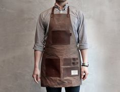 """Gentleman's Apron Oozes Handy and Suave In One Package  The Gentleman's Apron is the only """"manliest"""" getup that is worthy of your pride and ego. Especially when you are doing maintenance work, or some good old"""