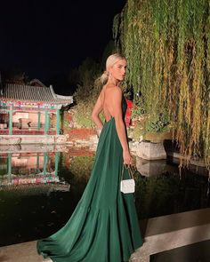 🐉 Models, Shades Of Green, Cool Hairstyles, Cool Outfits, Instagram, Gowns, Photo And Video, Formal Dresses, Haute Couture