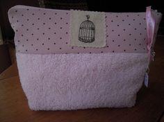 Trousse de toilette doublée en tissu enduit,parfaite pour les minettes!!!!