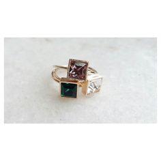 Trio maravilha Anel com cristais swarovski emerald/antique pink/crystal [Compras via direct]