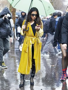 Paris Fashion Week's street style scene this March 2017 is full of crazy looks, but we've tracked down the ones you can genuinely copy and paste...