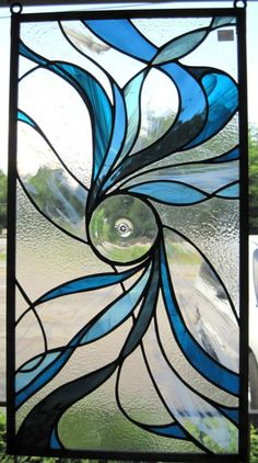 rondell in stained glass window Stained Glass Studio, Faux Stained Glass, Stained Glass Designs, Stained Glass Panels, Stained Glass Projects, Stained Glass Patterns, Leaded Glass, Mosaic Glass, Mosaic Mirrors