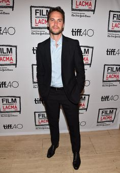 Pin for Later: Taylor Kitsch Makes a Ridiculously Handsome Red Carpet Appearance