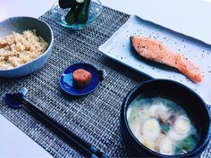ローラなめこ汁 はちみつ漬けうめぼし キヌア入り白米 きゅうりのシソ漬け 白米にキヌアを半分入れて炊いて混ぜる