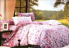 Спално бельо от 6 части Лилава приказка. Спално бельо от сатениран памук от 6 части. Преливащи се цветове от розово до лилаво. Нежни пролетни цветя в бяло и лилаво, превят десена приказен. Нежната на допир материя на сатенирания памук допринася за уюта и комфорта на вашия сън