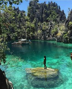 What makes Palawan the best island in the world? - What makes Palawan the best island in the world? Beautiful Places In The World, Beautiful Places To Visit, Places To See, Amazing Places On Earth, Wonderful Places, Beautiful Things, Dream Vacations, Vacation Spots, Vacation Food