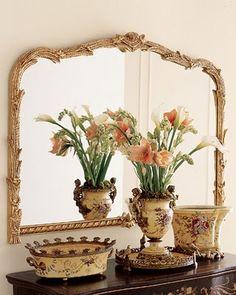 Classic Mirror / Showing off a vignette. Funky Home Decor, Classic Home Decor, European Decor, Folder Design, Mirror Image, Mirror Mirror, Vanity Mirrors, Home Decor Mirrors, Beautiful Mirrors
