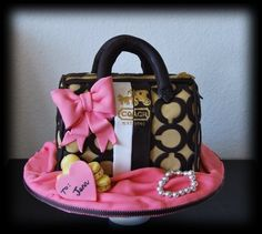 Purse cake - by BloomCakeCo @ CakesDecor.com - cake decorating website