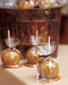 Caramel apple favors for a fall wedding!