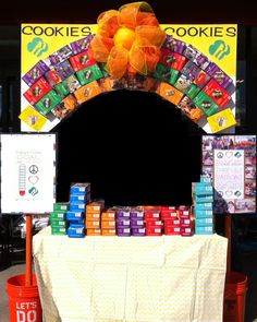 Use Girl Scout Cookie boxes to Bling Your Booth