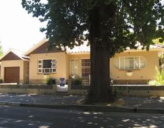 #propertyforsaleinceres #ceres #property #properties #makeanoffer #greatlocation ERA Ceres Real Estate Properties South Africa Property For Sale, South Africa, Real Estate, Mansions, House Styles, Outdoor Decor, Home Decor, Mansion Houses, Real Estates