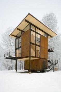 It's like a loft-cabin. #cabinenvy