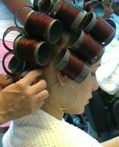 Big Hair Rollers, Sleep In Hair Rollers, Updo Styles, Hair Styles, Wet Set, Perm Rods, Bobe, Hair Setting, Roller Set