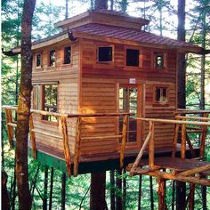 I LOVE this tree house!!!!  <3 reminds me of linkin logs <3 my favorite childhood toys , so doing this for my children.