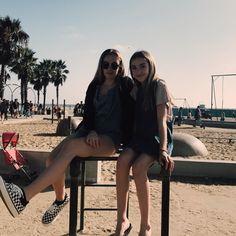 Lauren and darian (older sis)💕