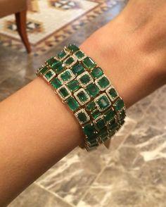 Best Diamond Bracelets : Emerald Bracelet Source by bracelets Emerald Bracelet, Emerald Jewelry, Diamond Bracelets, Ankle Bracelets, Jewelry Bracelets, Silver Jewellery, Silver Bracelets, Unusual Jewelry, Antique Jewelry