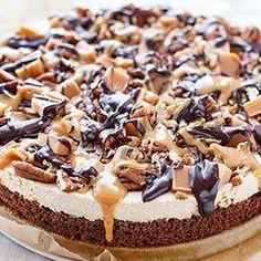 A Cajmak a hidegtúrát a brownie alján tölti Chocolate Glaze, Food Cakes, Cheesecakes, No Bake Cake, Fudge, Cake Recipes, Food And Drink, Sweets, Baking
