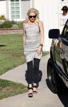 Gwen Stefani in Kelly Wearstler's Pyrite Cuff. http://www.kellywearstler.com/Cuffs/13,default,sc.html