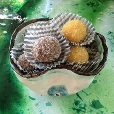 photo: Έφη Κωδωνά Greek Sweets, Biscotti Cookies, Sweetest Day, Christmas Sweets, Greek Recipes, Truffles, Finger Foods, Cupcake Cakes, Sweet Tooth