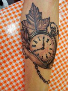 8 meilleures images du tableau tatouage de boussole en. Black Bedroom Furniture Sets. Home Design Ideas