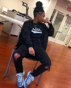 20 Must-Try Tomboy Outfits in 2020 - Girl Boss Boutique Shop Tomboy Swag, Cute Tomboy Outfits, Swag Outfits, Outfits For Teens, Girl Outfits, Tomboy Style, Androgynous Women, Androgynous Fashion, Tomboy Fashion