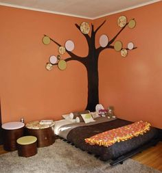 My younger sister is thinking of a Montessori inspired room for my niece. The Montessori way is a mattress on the floor so that the child . Montessori Bedroom, Montessori Toddler, Girl Room, Girls Bedroom, Ideias Diy, Inspiration For Kids, Vintage Design, Kid Spaces, Kid Beds
