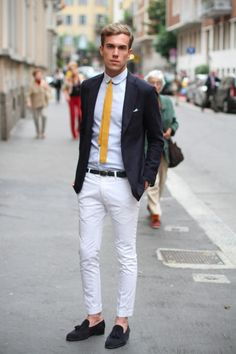 yellow tie, makes this outfit.