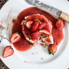 happy mudditag an alle Mamas da draußen  #muttertag #muddi #mom #thefeedfeed @thefeedfeed #cheesecake #minicheesecakes #strawberry #strawberrycake